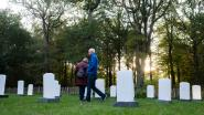 Oorlogsherinneringen weerklinken tussen grafzerken