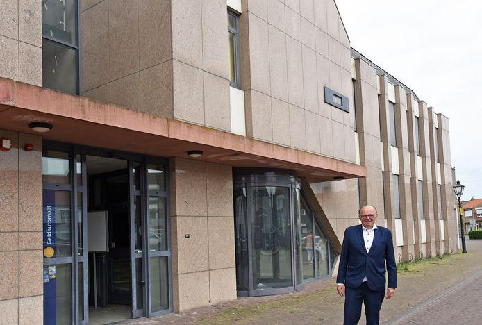 Projectontwikkelaar Jac Haagen wil in de voormalige Rabobank in Aardenburg 14 appartementen realiseren.