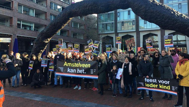 Demonstranten van Kick Out Zwarte Piet in Amstelveen. Beeld Roelf Jan Duin