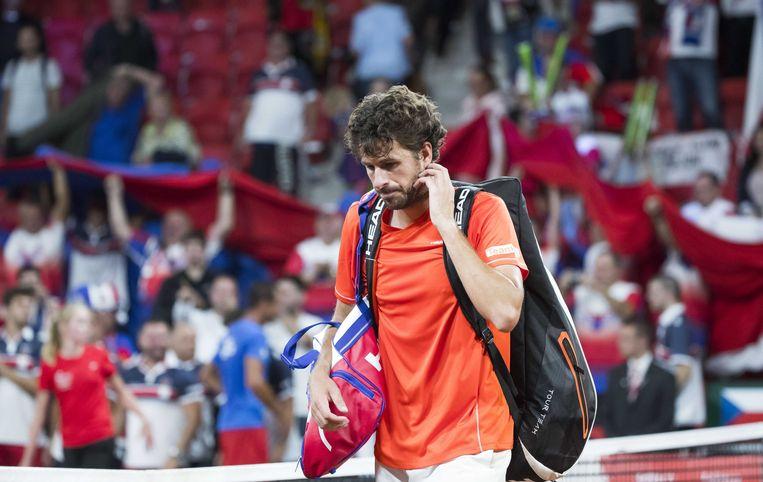 De Nederlander Robin Haase  na  zijn verloren  partij tegen de Tsjech Lukas Rosol tijdens het Davis Cupduel voor een plaats in de Wereldgroep 2018 tegen Tsjechie. Beeld ANP