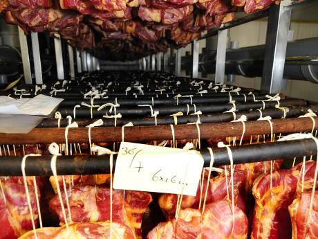 Onveilig: vleeswarenfabriek Beuningen sluit nieuwe productiehal onder dwang