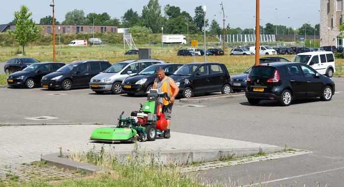 Het parkeerterrein op De Brink in Veenendaal-Oost ondergaat straks een metamorfose.
