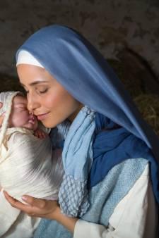 Emma verspreidt het evangelie huis-aan-huis: 'Dat geloof blijdschap en vreugde geeft, brengen we te weinig naar buiten'
