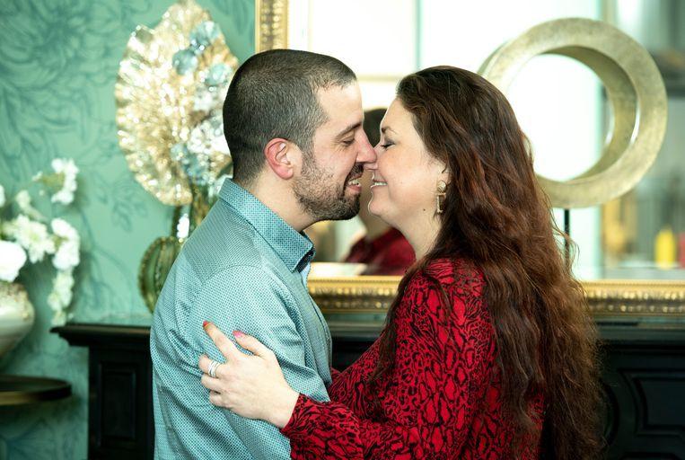 Sandy Boets en haar vriend Eric zullen in april, na een relatie van een halfjaar,  trouwen.