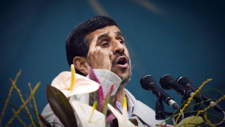 De Iraanse president Mahmoud Ahmadinejad, tijdens een speech ter gelegenheid van het 32-jarig bestaan van de islamitische revolutie in het land. Beeld reuters