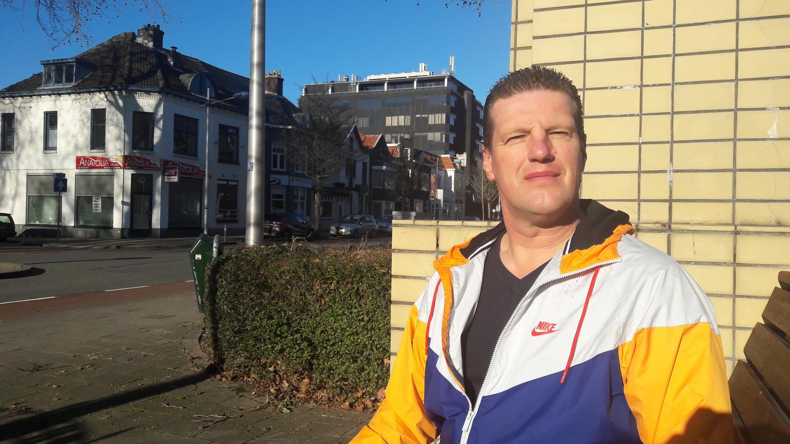 Marcel Hemmer trad doortastend op, toen een 22-jarige Terneuzenaar donderdag een vrouw in de Noordstraat uit het niets mishandelde.