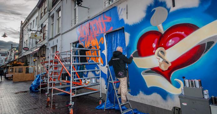 Geïnspireerd op Vincent van Gogh op muur Korte Putstraat