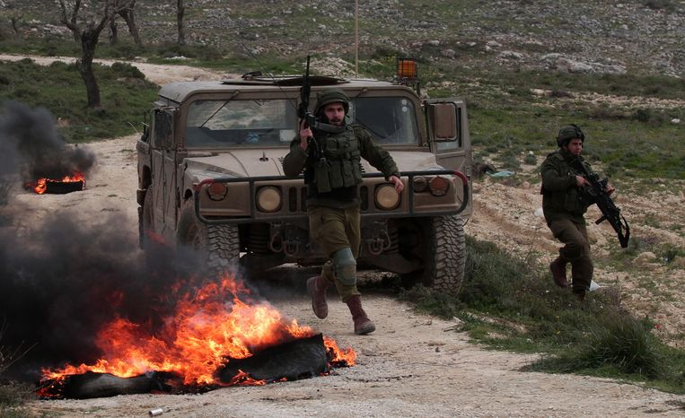 Israëlische soldaten nabij het stadje Nablus, 15 februari 2019. Beeld BELGAIMAGE