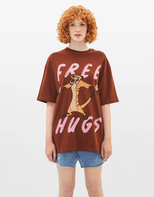 "T-shirt ""câlins gratuits"" Timon - Prix: 15,99 euros."