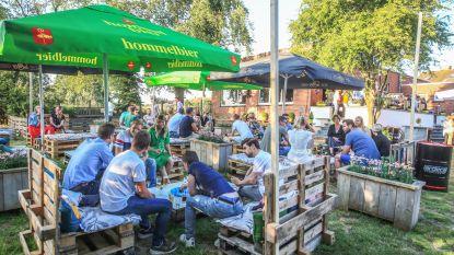 Naast La Brasa opent ook zomerbar Pomalo de deuren