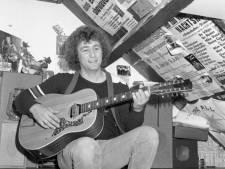 Tilburgse volkszanger Peter Smulders in zijn slaap overleden