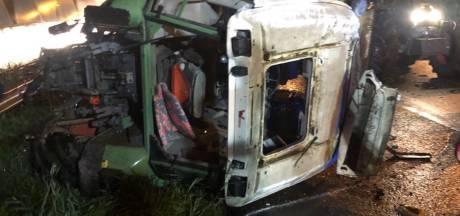 Deze 'boerentank' uit Twente kantelde op snelweg na botsing met auto, ongelukkig slot protestdag