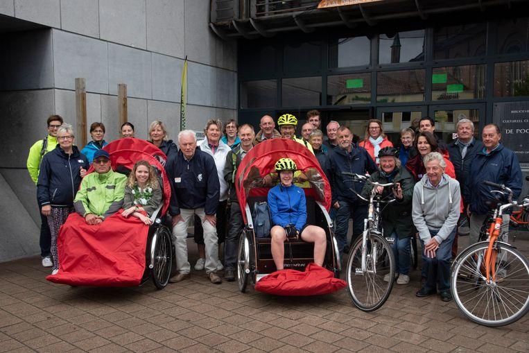 Mobiel 21 trekt het project Fietsen zonder leeftijd en kwam met een aantal medewerkers en vrijwilligers fietsen in Wetteren.