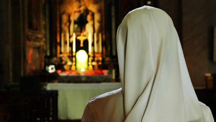 Image d'archives d'une nonne