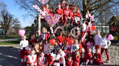 Leerlingen Kiliaan komen in valentijnstenue naar school