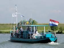 Waalpontjes door droogte uit de vaart, maar over de Maas blijven ze varen