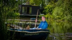"Tomas De Soete vult met alom geprezen 'Fiskepark' leegte na StuBru en 'Café Corsari': ""Plots was er geen applaus meer"""