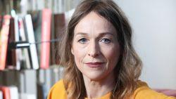 """Ann Tuts dompelt zich helemaal onder in de sfeer van '40-45': """"Volgens Lucas Van den Eynde lijk ik op zijn moeder"""""""