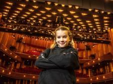 Zwolse Kimberley (11) toert door het hele land met musical 'Annie': 'Ik moest huilen van vreugde'
