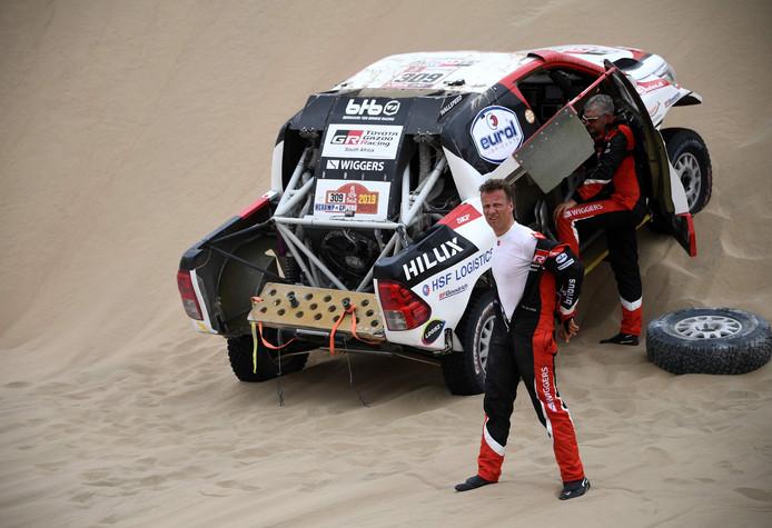 De Toyota van Bernhard ten Brinke gaf in de achtste etappe de geest.