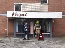 Brand in kelderbox zet Vlaardingse flat vol rook; alle bewoners geëvacueerd