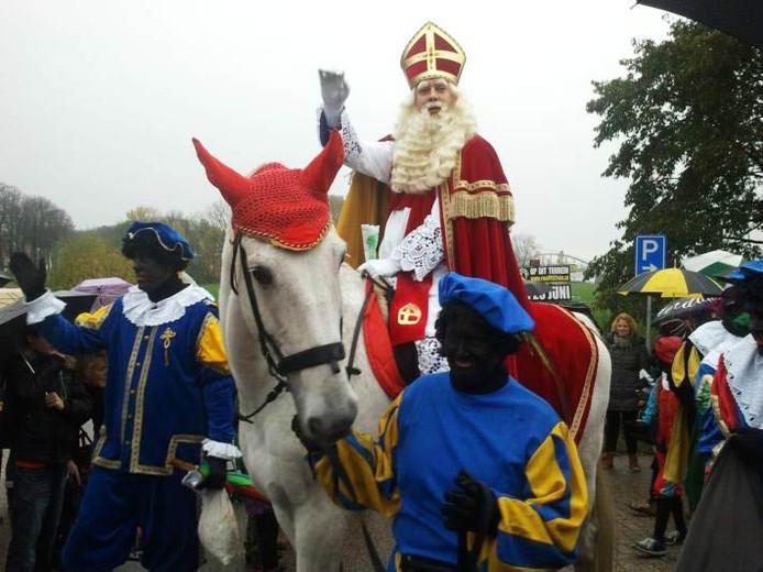 Sinterklaas tijdens zijn intocht in Ravenstein