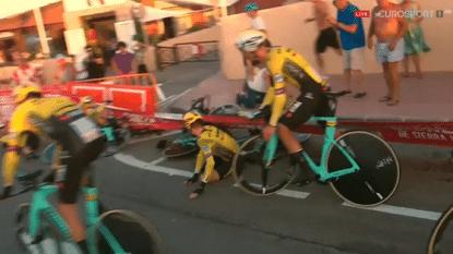 De reden waarom Jumbo-Visma onderuit ging in ploegentijdrit Vuelta: een kapot kinderbadje