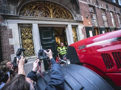 Boerenprotest Groningen loopt uit de hand: ME staat klaar om in te grijpen, boer gearresteerd