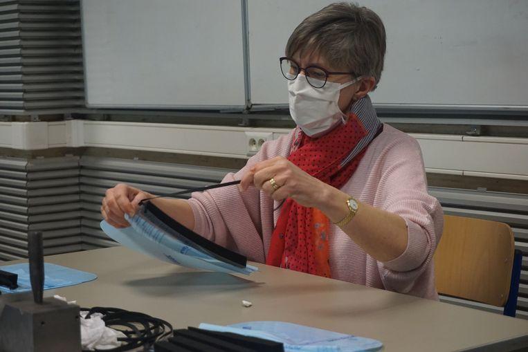 Eén van de leerkrachten in campus VTI aan het werk.