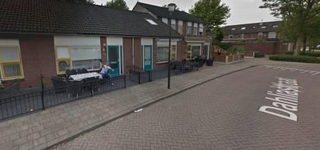 Winterswijkers die met spullen naar auto Google Street View gooien, gaan opnieuw viraal