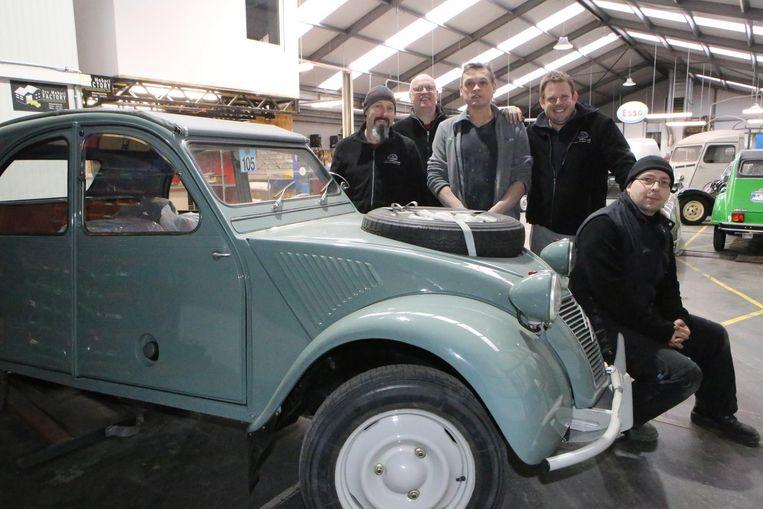 Het team van garage CQS is klaar voor de opendeurdag op 25 maart.