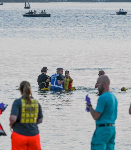 Gitzwarte dag op strand Nesselande: 25-jarige man verdronken, kind (7) gereanimeerd en naar ziekenhuis