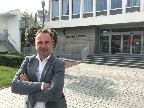 Kuurns burgemeester Francis Benoit (CD&V) uit felle kritiek op eigen partij