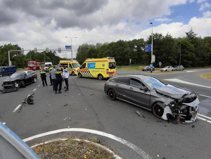 Het ongeluk vond plaats op de N35, op de kruising met de Dalfserweg.