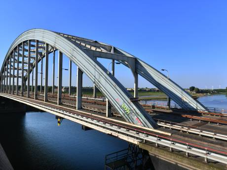 Oude Lekbrug bij Vianen wordt gesloopt (en dat wordt een heel karwei)