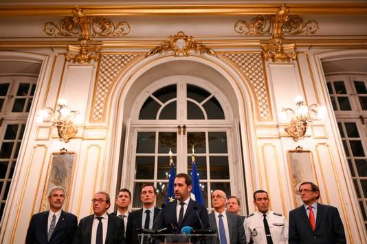 De minister van Binnenlandse Zaken Christophe Castaner en de burgemeester van Straatsburg houden een persconferentie.