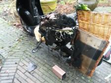 Elektrische scooter ontploft spontaan in schuur