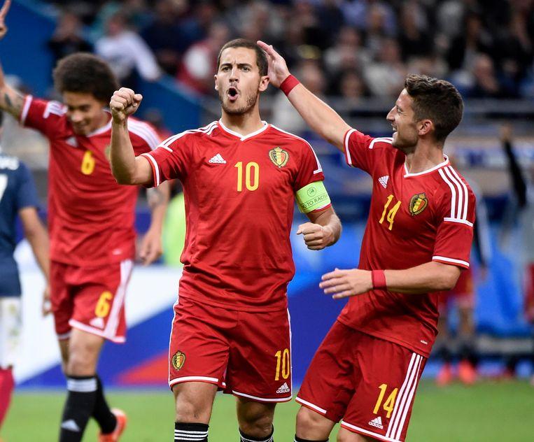 Eén jaar voor het EK wint België met 3-4 van Frankrijk. De Rode Duivels domineren 'Les Blues' een uur lang en komen zelfs 1-4 voor.Eén jaar voor het EK wint België met 3-4 van Frankrijk. De Rode Duivels domineren 'Les Blues' een uur lang en komen zelfs 1-4 voor.