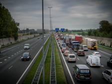 Kapotte vrachtwagen zet de avondspits bij Arnhem al vroeg in