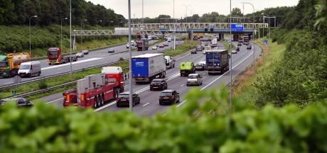 Nederland negeert massaal advies thuiswerken, op de weg is het bijna net zo druk als vorige maand