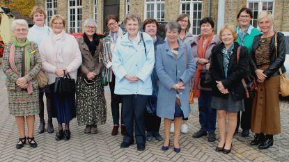 Leerlingen school Pervijze komen na vijftig jaar voor het eerst samen