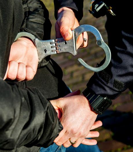 Kwartet op station Roosendaal betrapt met gestolen kleding