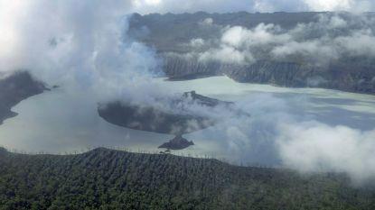 Volledig eiland geëvacueerd na vulkaanuitbarsting