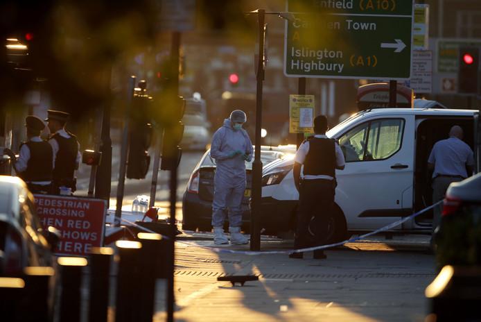 Man met busje ingereden op voetgangers Londen