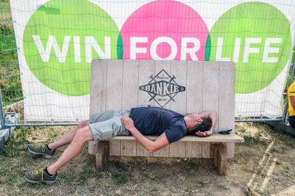 Een heel weekend Festival Dranouter is voor deze man wat te veel van het goede.