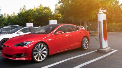 Tesla maakt snelladers in één klap 40 procent duurder