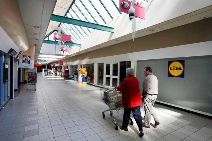 Een archieffoto van de Lidl in winkelcentrum de Coevering in Geldrop