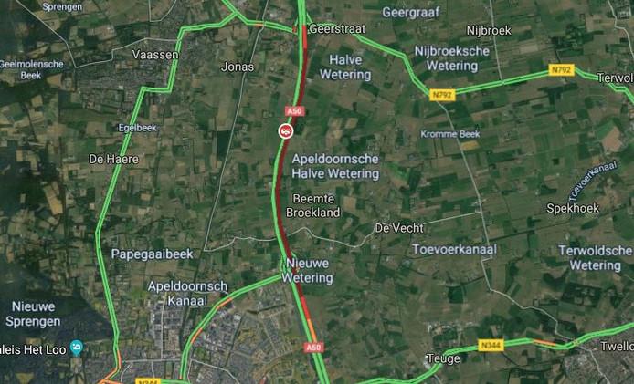 Ongeval op de A50: verkeer ondervond flinke hinder.