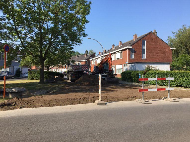 Het kruispunt van de Jozef Simonslaan met de Meibloemstraat verandert in een groenzone.