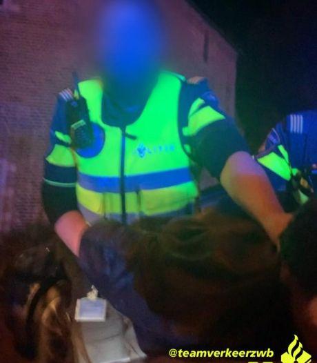 Politie rekent na achtervolging man in wiens rijbewijs al sinds 2001 ongeldig is